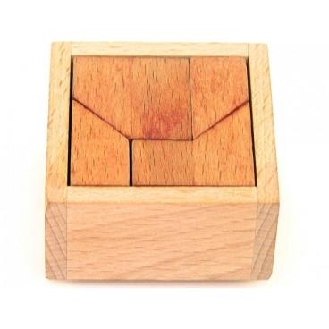 Любой ребенок сможет прекрасно развить логику и последовательность движения благодаря конструктору Кирпичики.