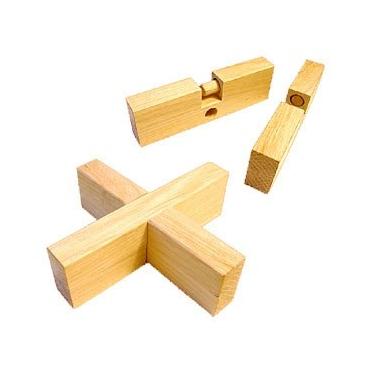 Увлекательный конструктор для детей получил название Крест - вертушка, он понравится не только малышам, но и взрослым.