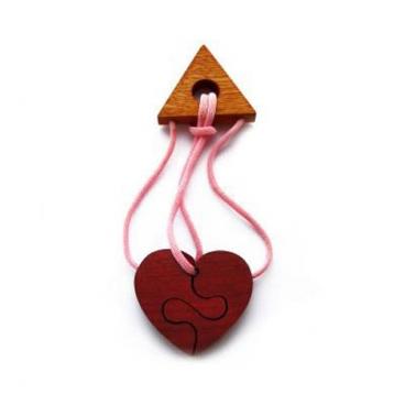 Головоломка Разбитое сердце - 1 понравится не только детям, но и родителям.