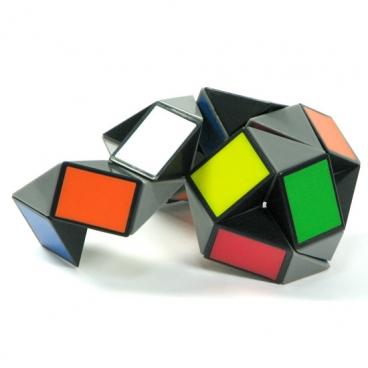 Головоломка Змейка большая (Rubik's Twist), состоит из 24 элементов просто завараживает и развивает.